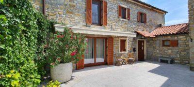 Istrske hiše Padna - pogled na dvorišče